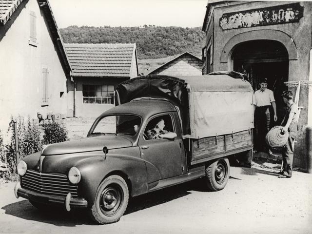 Les utilitaires – camionnette bâchée en 1938