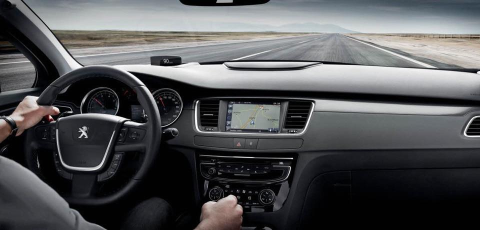 Peugeot 508 | La familiale confortable dédiée à la route