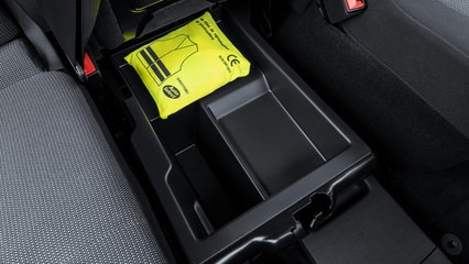 NOUVEAU PEUGEOT PARTNER: De nombreux rangements comme sous l'assise centrale de la banquette modulable Multi-Flexces bacs de porte